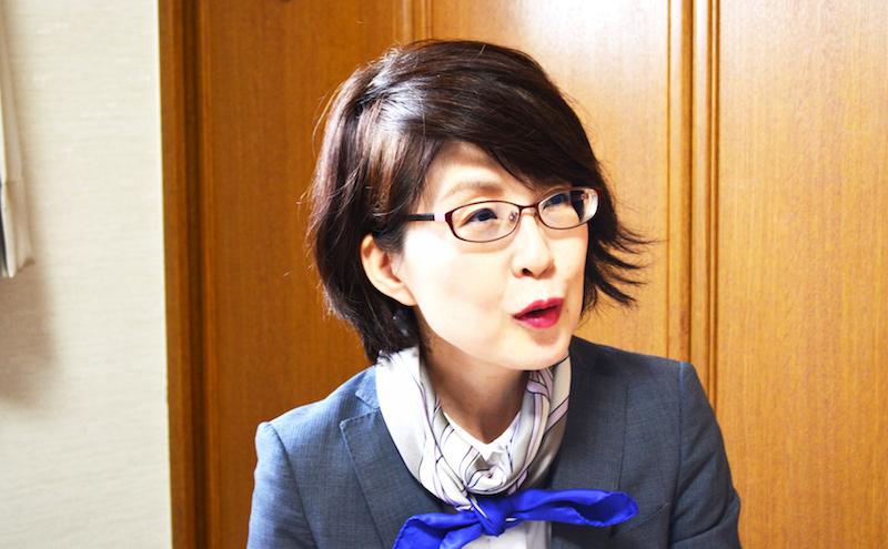 丹羽先生にインタビューするコピーライター河本さん