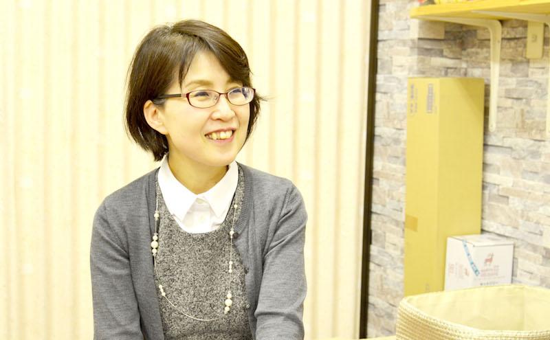 水嶋先生のお話を聞くインタビューアー河本さん